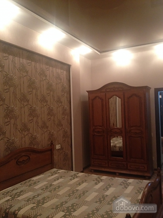 Apartment in the city center, One Bedroom (40100), 003