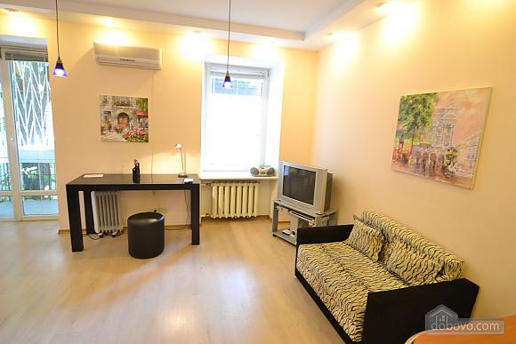 Чудова квартира біля Майдану, 3-кімнатна (28205), 007