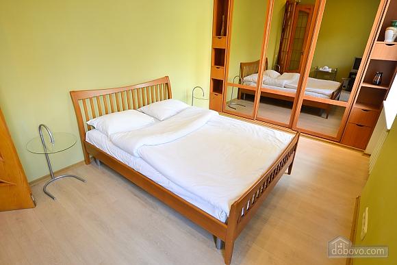 Чудова квартира біля Майдану, 3-кімнатна (28205), 008