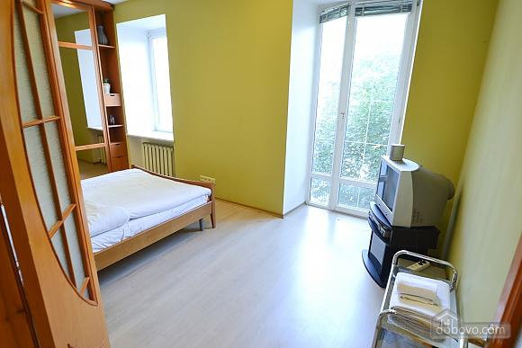 Чудова квартира біля Майдану, 3-кімнатна (28205), 009