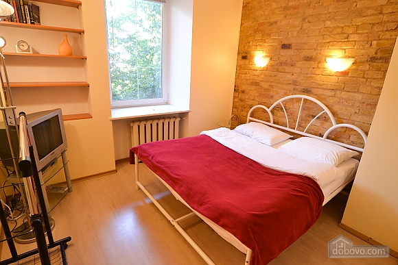 Чудова квартира біля Майдану, 3-кімнатна (28205), 011