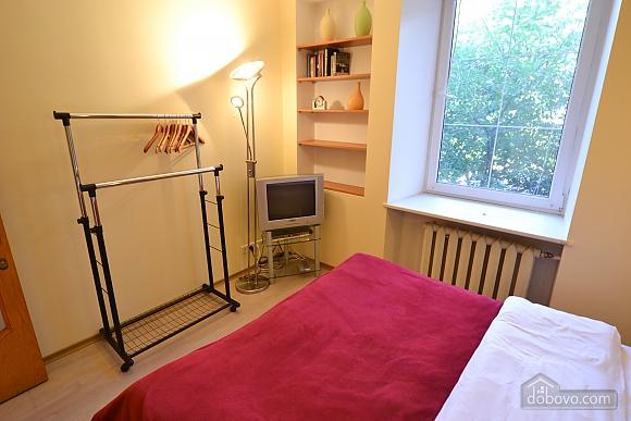 Чудова квартира біля Майдану, 3-кімнатна (28205), 012