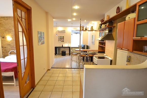 Чудова квартира біля Майдану, 3-кімнатна (28205), 014