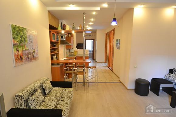 Чудова квартира біля Майдану, 3-кімнатна (28205), 016
