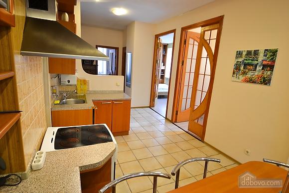 Чудова квартира біля Майдану, 3-кімнатна (28205), 017