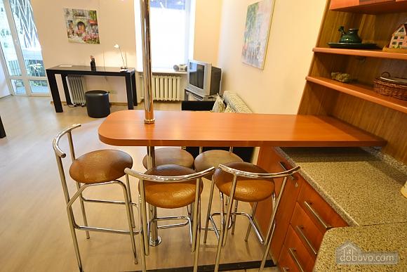 Чудова квартира біля Майдану, 3-кімнатна (28205), 018