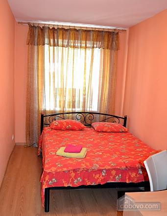 Затишна квартира, 2-кімнатна (15148), 002
