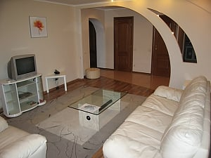 The apartment near Olimpiiskyi stadium with arch, Two Bedroom, 003