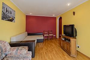 Простора квартира в центрі Києва, 2-кімнатна, 001