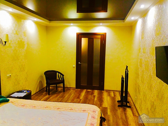 VIP apartment with designer renovation - cheques - free Wi-Fi, One Bedroom (81292), 003