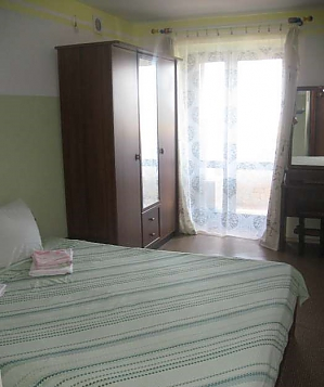 The apartment is in the center of Mirgorod, Due Camere, 002