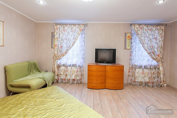 Cozy house in Odessa center, Due Camere (49809), 010