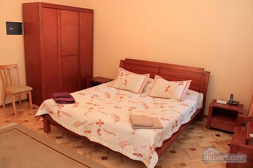 Квартира на вулиці Базарній, 4-кімнатна (95039), 002