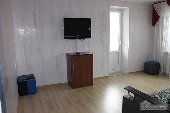 Комфортная квартира, 2х-комнатная (58246), 002