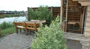 House on Stugna river, Due Camere, 010