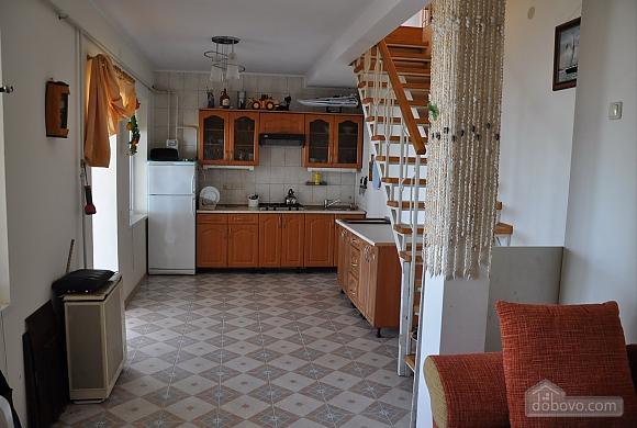 Двухуровневая дача в Грибовке, 2х-комнатная (76948), 009