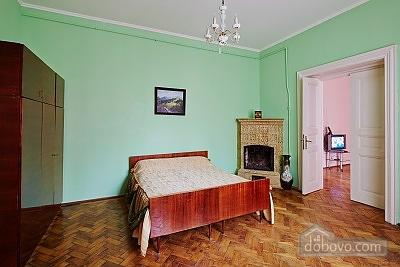 Мила та тиха квартира в центрі Львову, 3-кімнатна (27275), 003