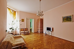 Cozy and quiet flat in the centre of Lviv, Two Bedroom, 004