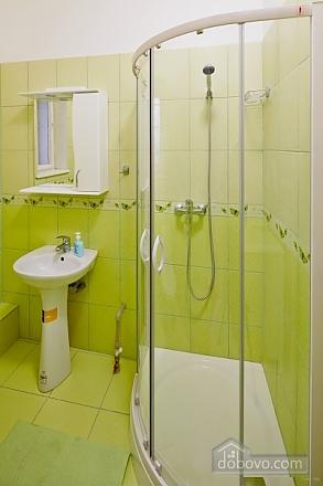 Мила та тиха квартира в центрі Львову, 3-кімнатна (27275), 009
