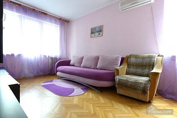 Чудова квартира на Майдані, 2-кімнатна (43541), 002