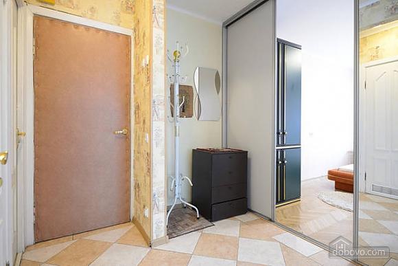 Чудова квартира на Майдані, 2-кімнатна (43541), 004