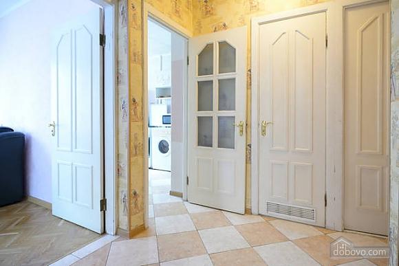 Чудова квартира на Майдані, 2-кімнатна (43541), 007