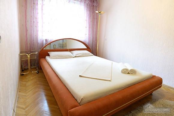 Чудова квартира на Майдані, 2-кімнатна (43541), 001