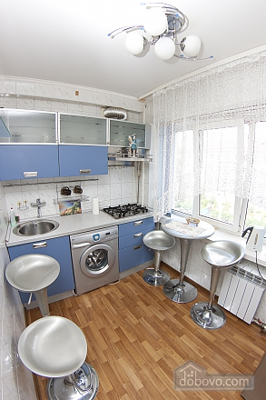 Cheap option near the railway station, One Bedroom (62219), 010
