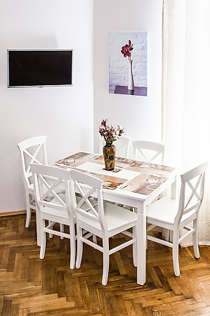 White house - two bedroom apartment in the heart of old Lviv, Two Bedroom, 003