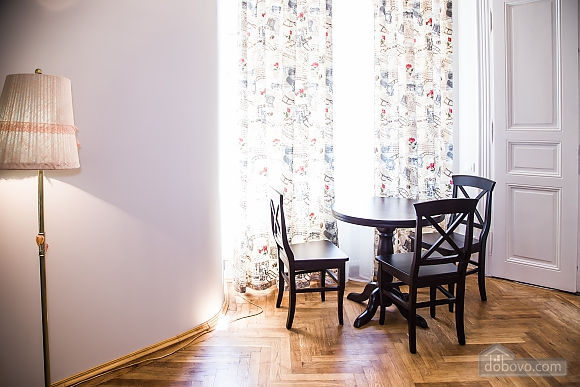 White house - two bedroom apartment in the heart of old Lviv, Deux chambres (39491), 005