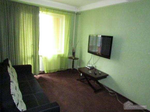 Квартира в хвилині від метро Дружби Народів, 2-кімнатна (56228), 003