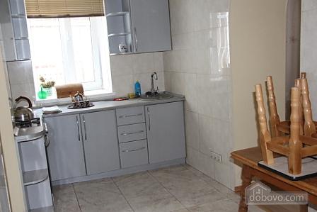 Квартира в центре Одессы, 2х-комнатная (38005), 002