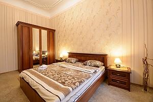Two bedroom apartment on Mala Zhytomyrska (611), Dreizimmerwohnung, 002