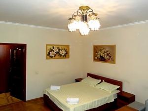 Затишна квартира на вулиці Бажана, 1-кімнатна, 003