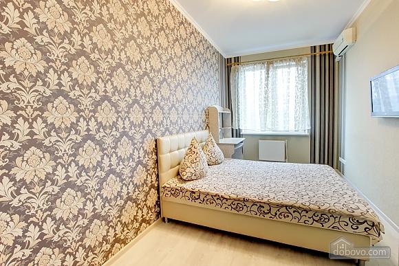 Нова квартира біля Привозу, 2-кімнатна (25698), 002