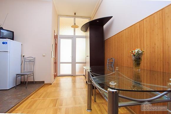 Квартира в самом центре, 1-комнатная (70857), 007