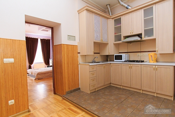 Квартира в самом центре, 1-комнатная (70857), 009