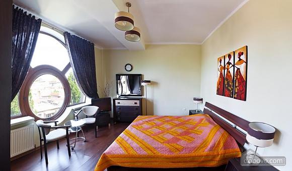 Квартира у новому будинку, 3-кімнатна (77390), 001