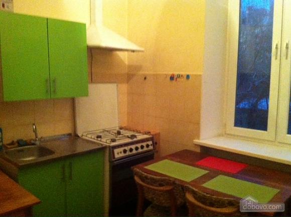Затишні апартаменти в центрі, 2-кімнатна (67409), 012