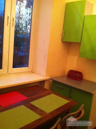 Затишні апартаменти в центрі, 2-кімнатна (67409), 014