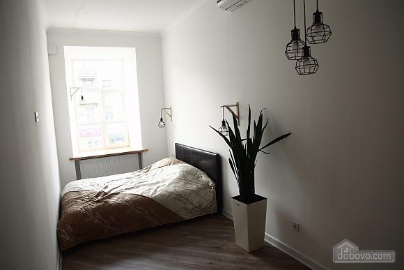Квартира в центрі, 2-кімнатна (45098), 008