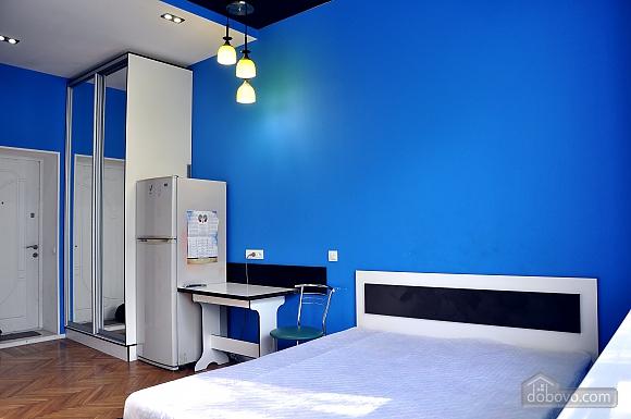 Комфортабельна квартира в центрі, 1-кімнатна (26261), 001