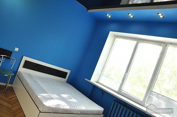 Комфортабельна квартира в центрі, 1-кімнатна (26261), 003