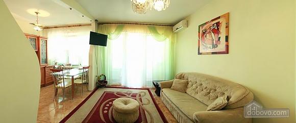 Квартира в центрі міста, 2-кімнатна (99958), 001