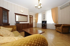 Apartment in the city center, One Bedroom, 002