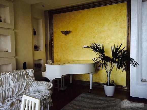 Квартира біля Аркадійського палацу, 3-кімнатна (54210), 001