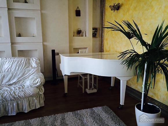 Квартира біля Аркадійського палацу, 3-кімнатна (54210), 002