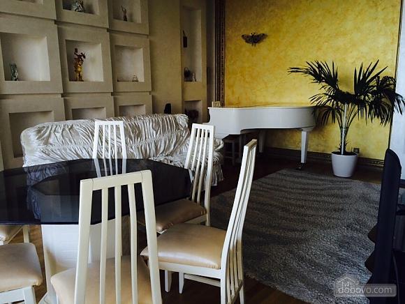 Квартира біля Аркадійського палацу, 3-кімнатна (54210), 005