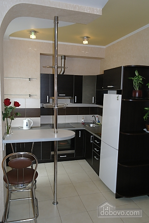 Apartment in the city center, Dreizimmerwohnung (99065), 002