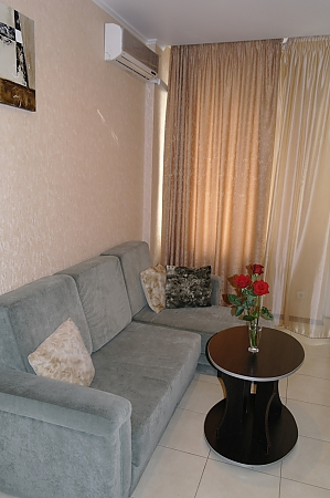 Apartment in the city center, Two Bedroom, 003